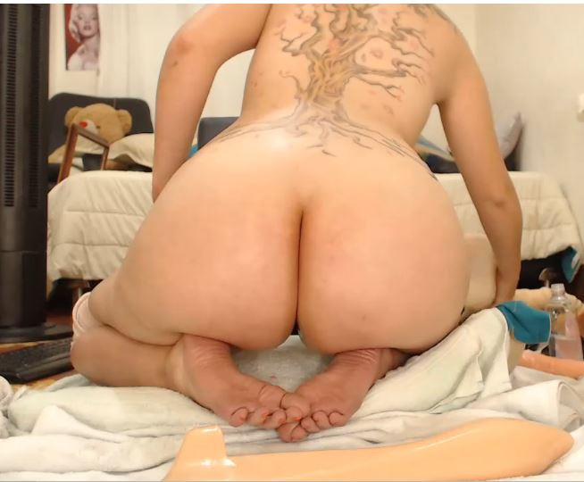 Yeni_luv_anal naked anal show on chaturbate.com